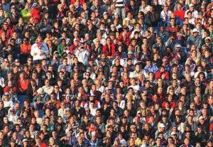 528583-531583-large-group-of-people-sitting-together